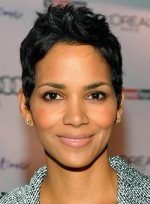 Halle Berry's Metallic Makeup