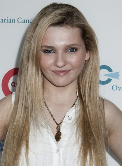 Abigail Breslin's Long, Straight, Chic, Blonde Hairstyle