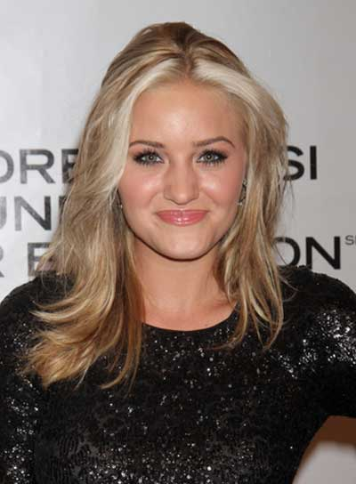 Amanda Michalka Medium, Straight, Sexy, Blonde Hairstyle