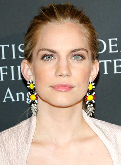 Anna Chlumsky's Straight, Blonde, Sophisticated, Ponytail Hairstyle