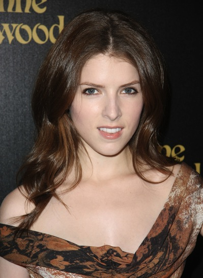 Anna Kendrick Long, Sexy, Bruentte Hairstyle