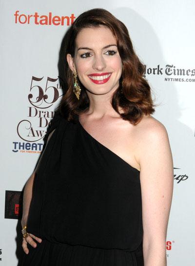 Anne Hathaway Romantic, Wavy, Brunette Hairstyle