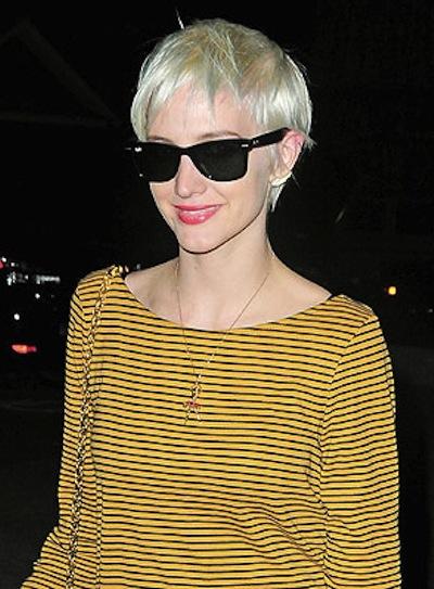 Ashlee Simpson Short, Blonde Haircut