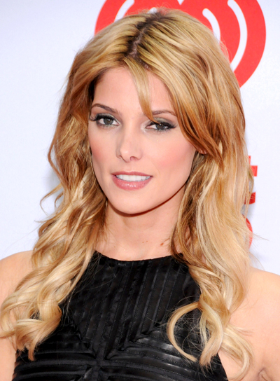 Ashley Greene's Long, Wavy, Blonde, Sexy Hairstyle