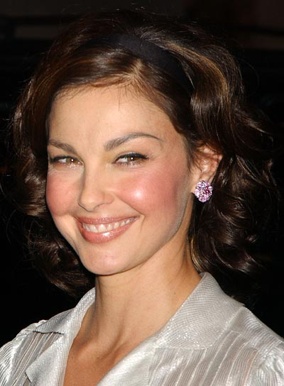 Ashley Judd Curly, Brunette Bob