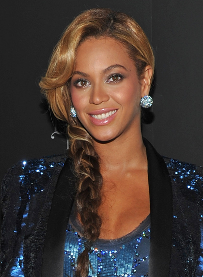 Beyonce Knowles Chic, Black Hairstyle with Highlights and Braids and Twists