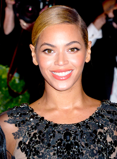 Beyonce Knowles' Chic, Straight, Brunette, Updo Hairstyle