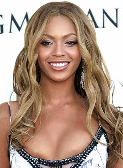 Beyonce Knowles Long, Tousled, Wavy Hairstyle