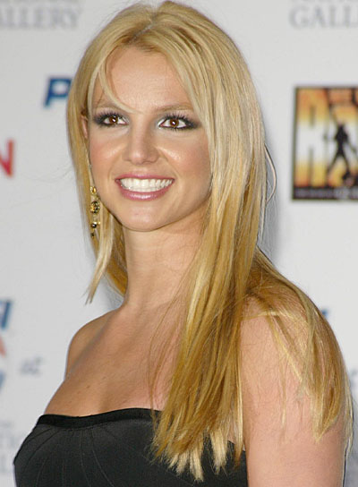 Britney Spears Long, Straight Hairstyle for Oval-Shaped Faces