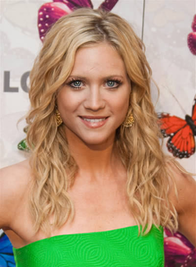 Brittany Snow Sexy, Curly Hairstyle