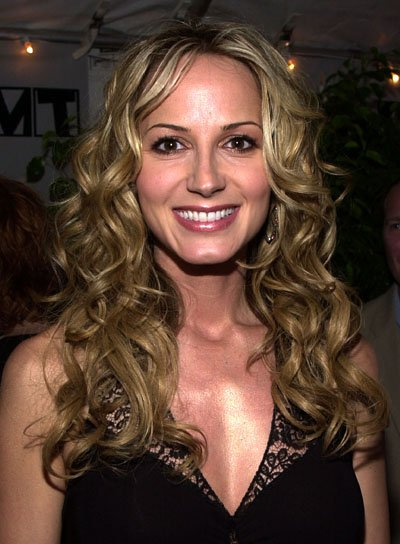Chely Wright Long, Curly, Blonde Hairstyle