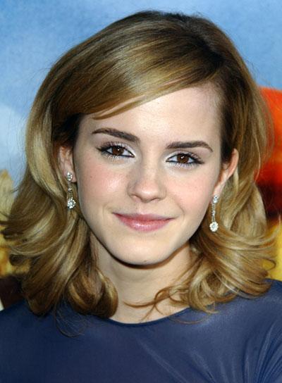 Emma Watson Wavy, Romantic Hairstyle