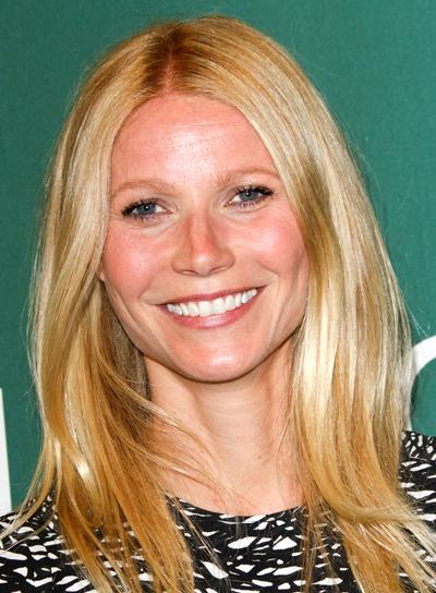Gwyneth Paltrow's Blonde, Medium, Straight, Chic Hairstyle