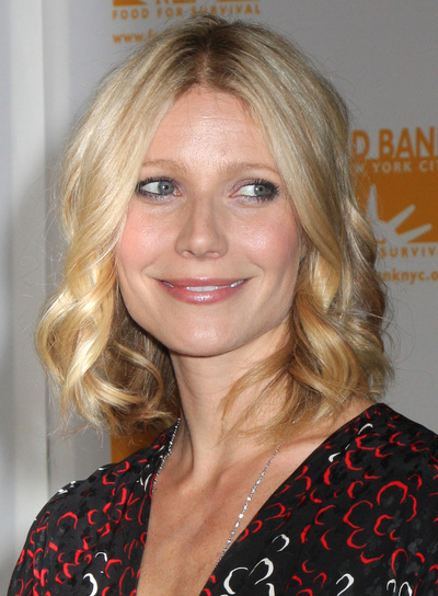Gwyneth Paltrow Curly Hairstyle for Square-Shaped Faces