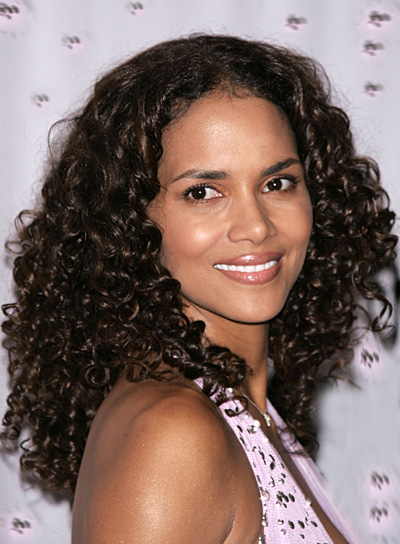 Halle Berry Curly Hairstyle for Medium-Length Hair