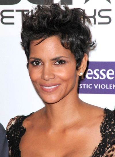 Halle Berry's Short, Tousled, Chic Hairstyle