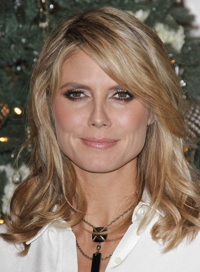 Heidi Klum Medium, Romantic, Chic, Blonde Hairstyle