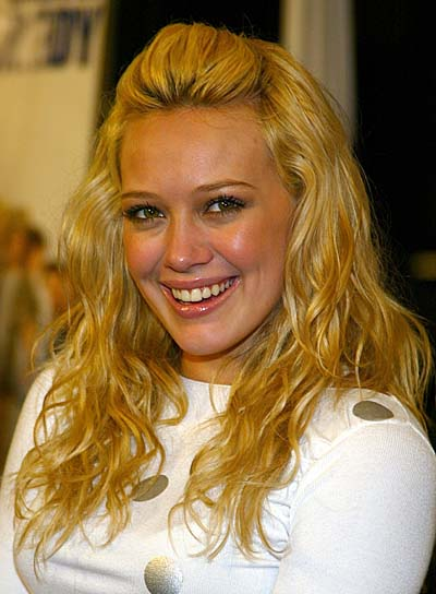 Hilary Duff Long, Curly Hairstyle for Oval-Shaped Faces