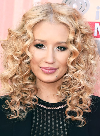 Iggy Azalea with a Medium, Curly, Blonde, Romantic Hairstyle