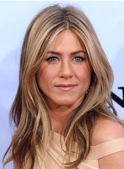 Jennifer Aniston Long, Wavy, Tousled Hairstyle