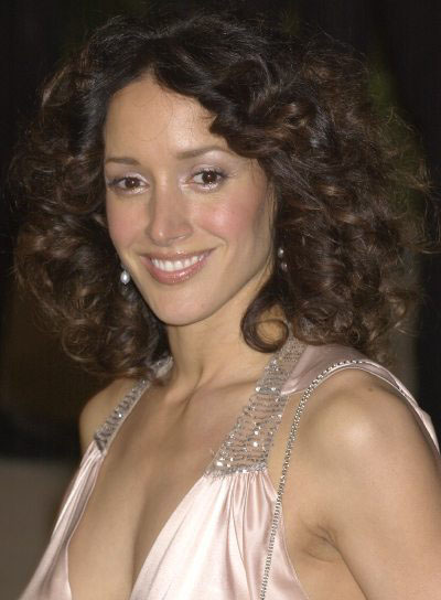 Jennifer Beals Medium, Curly Hairstyle for Oval-Shaped Faces