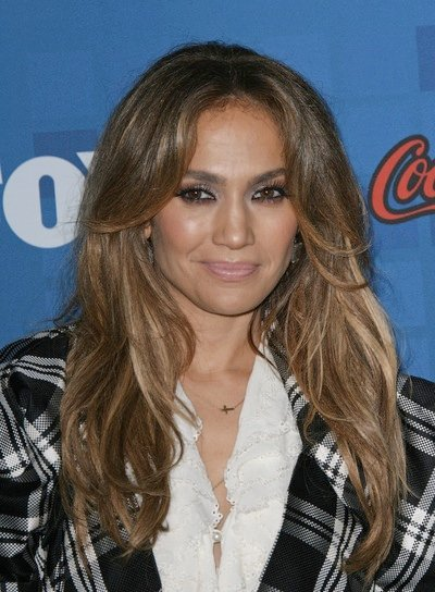 Jennifer Lopez Sexy, Layered, Brunette Hairstyle