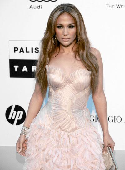 Jennifer Lopez Long, Romantic, Wavy Hairstyle