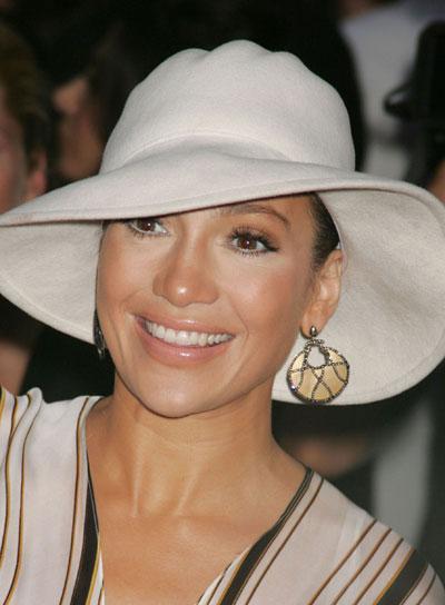 Jennifer Lopez Brunette Updo for Oval-Shaped Faces