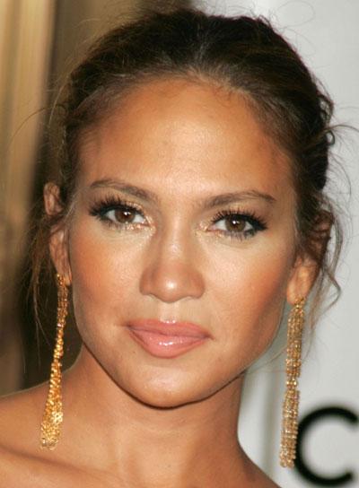 Jennifer Lopez Brunette, Tousled Updo