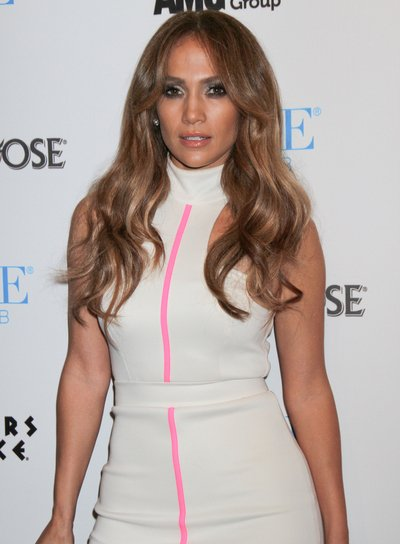 Jennifer Lopez Wavy Hairstyle with Highlights