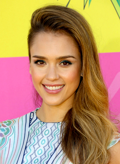 Jessica Alba's Long, Wavy, Edgy, Party Hairstyle