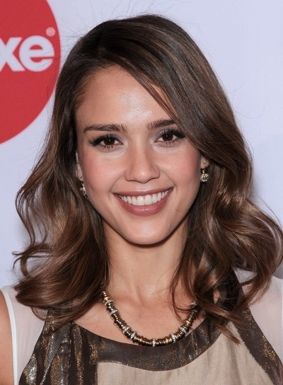 Jessica Alba Medium, Romantic, Brunette Hairstyle with Highlights