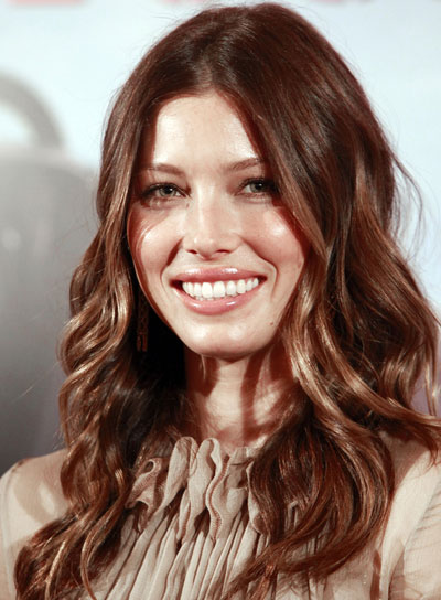 Jessica Biel Wavy, Sophisticated, Brunette Hairstyle