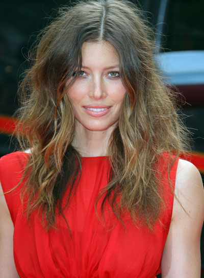 Jessica Biel Tousled, Wavy Hairstyle