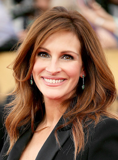 Julia Roberts with a Long, Layered, Wavy, Chic Hairstyle Pictures