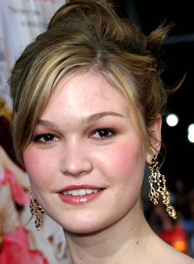 Julia Stiles Party Updo