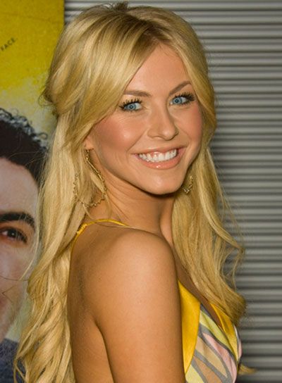 Julianne Hough Blonde, Curly Half Updo