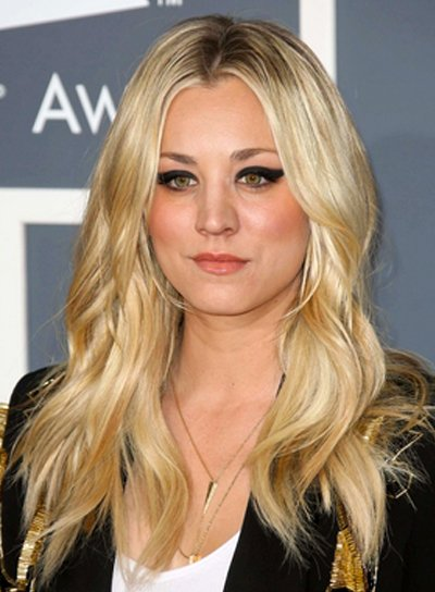 Kaley Cuoco's Long, Wavy, Tousled, Blonde Hairstyle