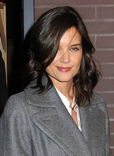 Katie Holmes Romantic, Wavy Hairstyle