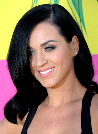 Katy Perry's Medium, Black, Wavy, Chic Hairstyle