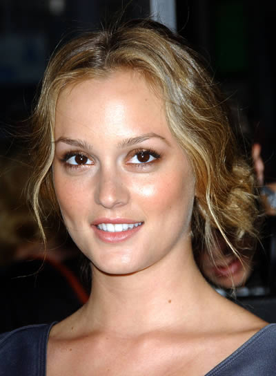 Leighton Meester Wavy Updo with Highlights