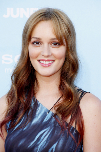 Leighton Meester's Long, Wavy, Brunette Hairstyle with Highlights