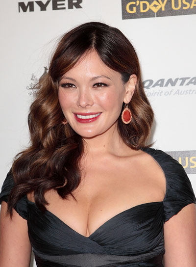 Lindsay Price Sexy, Curly, Brunette Hairstyle with Highlights