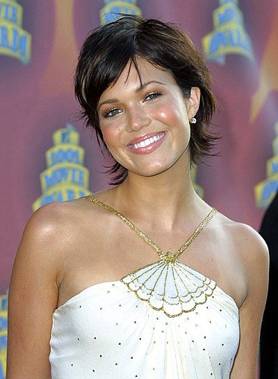 Mandy Moore Short, Brunette, Sexy Hairstyle