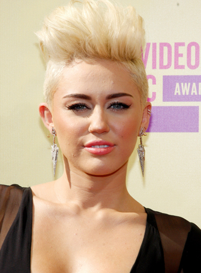 Miley Cyrus' Short, Edgy, Blonde, Funky Hairstyle
