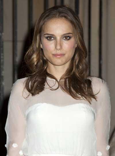 Natalie Portman Medium, Romantic, Brunette Hairstyle