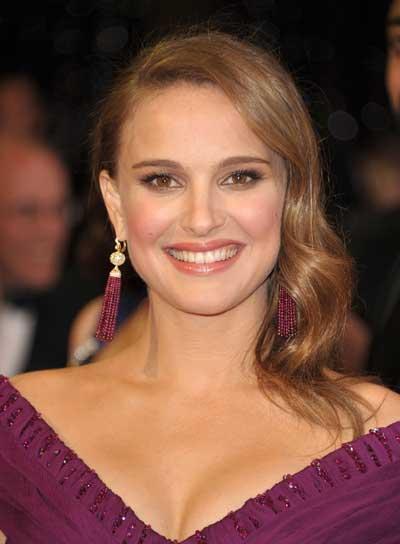 Natalie Portman Medium, Wavy, Romantic, Brunette Hairstyle