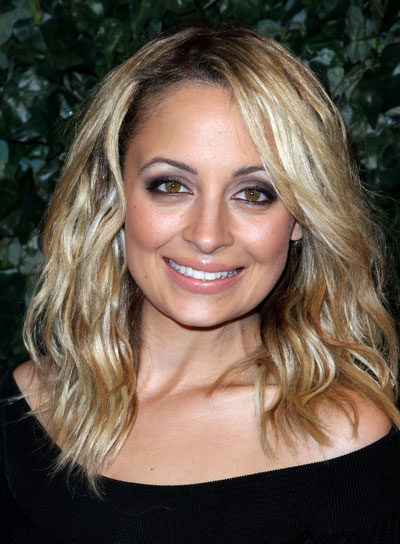 Nicole Richie Medium, Wavy, Blonde Bob