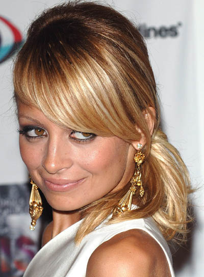 Nicole Richie Medium-Length, Blonde Ponytail