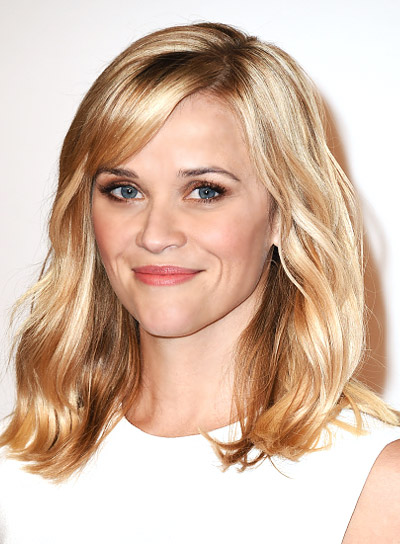 Reese Witherspoon with a Romantic, Medium, Wavy, Blonde Hairstyle Pictures